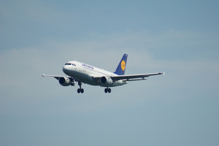 FRANKFURT, GERMANY - JUN 09th, 2017: Lufthansa Airbus A319-100 old livery with registration D-AILR on short final, approach runway at Frankfurt airport