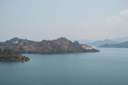 キブエ ルワンダのキブ湖でリゾートのナイト ショット の写真素材 ...