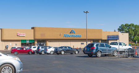 TAOS, NM, USA-13 JULY  18:   Albertsons is a privately owned grocery chain, with more than 2200 stores, located in 29 US states.