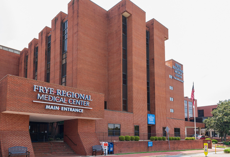 HICKORY, NC, USA-19 AUG. 2018:Frye Regional Medical Center, a Duke Lifepoint Hospital. Banque d'images - 107180922
