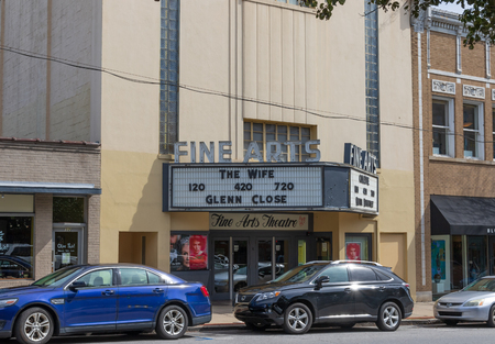 ASHEVILLE, NC, USA 10/17/18:  The Fine Arts theatre on Biltmore Avenue in downtown. Banque d'images - 113809154
