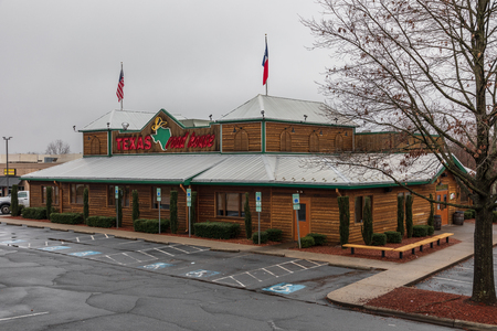HICKORY, NC, USA-1319: A Texas Roadhouse steakhouse, an American restaurant chain with a Western theme, and about 560 locations.
