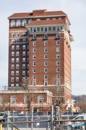 ASHEVILLE, NC, USA-2/3/19: The left side of the historic Battery Park Hotel building, now used for senior apartments. Stock Photo - 117248431