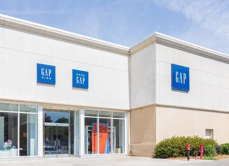 CHARLOTTE, NC, USA-28 July 2019: The Gap, in Southpark Mall, one of almost 1600 Gap stores worldwide. Redakční