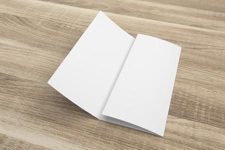 Blank 3D-Rendering dreifach gefaltete Broschüre Mock-up mit Beschneidungspfad auf Holz Nr. 2 Standard-Bild - 80823144