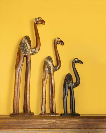 caravana de camellos, figuras de madera Foto de archivo - 3699630