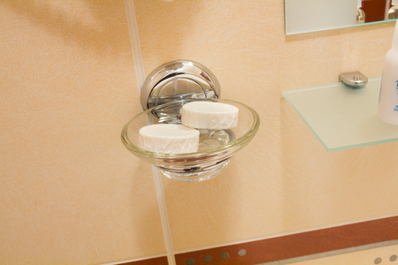 bath additive: Two little hotel soap in the transparent and trandy tray