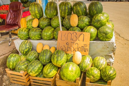 large ripe melons on the market in Georgia Banque d'images