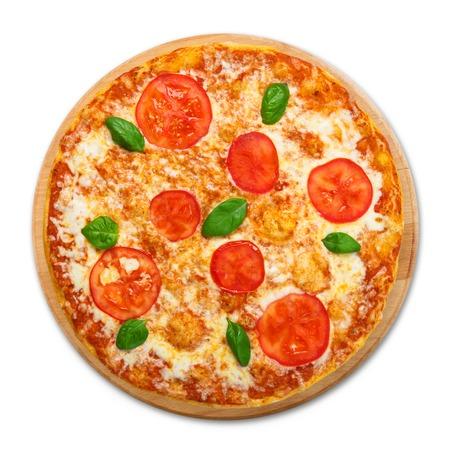 Köstliche italienische Margherita Pizza mit Tomaten und Mozarella - dünne Kruste auf weißem Hintergrund, über Aussicht auf Holz-Schreibtisch Standard-Bild