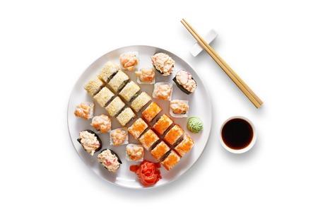 Sushi op een witte achtergrond. Bovenaanzicht, plat. Stockfoto