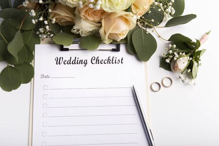 Wedding checklist with copy space for text and roses on background Zdjęcie Seryjne - 129315887