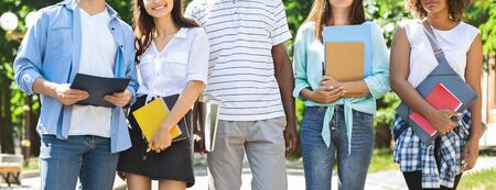 Students Background, Cropped Image Of Diverse College Friends Posing Outdoors After Classes, Panorama Stockfoto