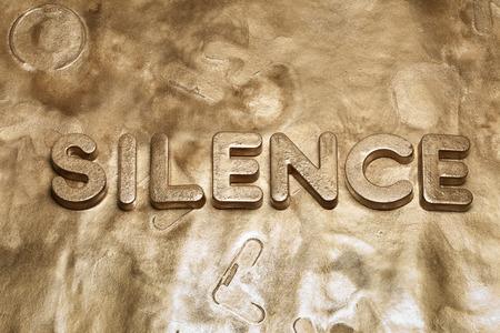金を沈黙させる単語の 3 d 文字 写真素材 - 69210261