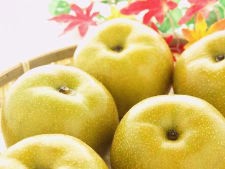asian produce: japanese fruit nashi pear