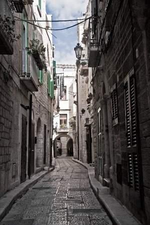 chimney corner: Callej�n. Giovinazzo. Apulia.