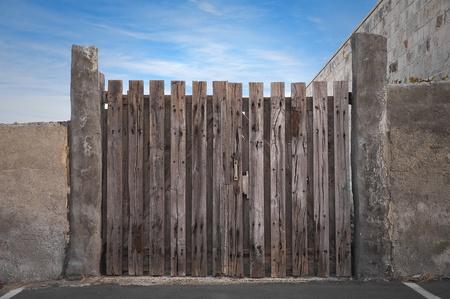 stockade: Palisade.