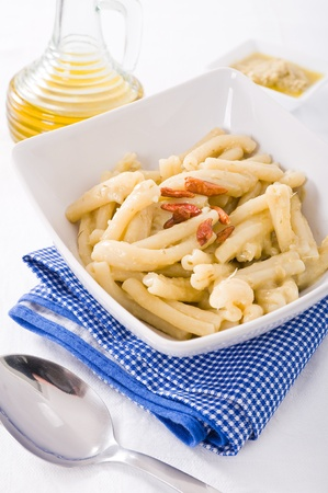 Pasta with artichoke pesto. photo