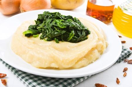 fava bean: Fava bean puree with spinach  Stock Photo
