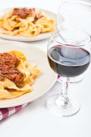 Tagliatelle with Bolognese Sauce Imagens - 12762404