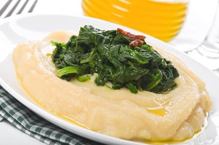 fava bean: Fava bean puree with spinach