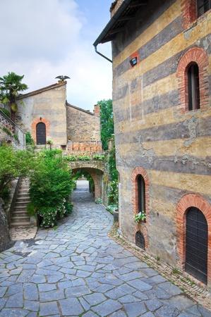 Gropparello Castle. Emilia-Romagna. Italy. Stock Photo - 13211190
