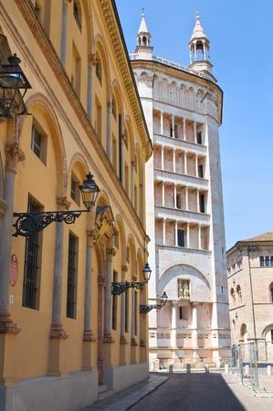 Alleyway. Parma. Emilia-Romagna. Italy. Stock Photo - 13569513