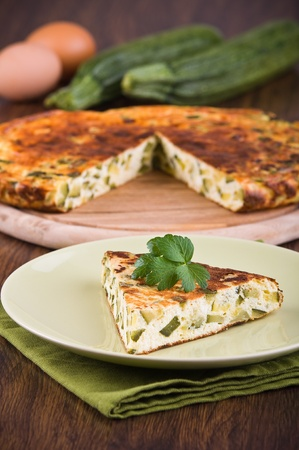 Italian omelette with zucchini. Imagens - 13586614
