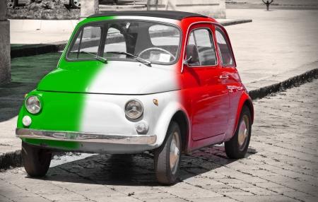 italian flag: Italiani auto d'epoca