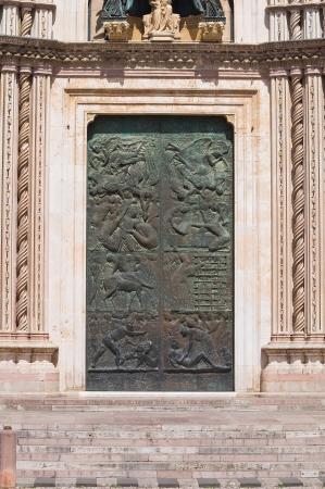 orvieto: Catedral de Orvieto. Umbr? Italia. Foto de archivo