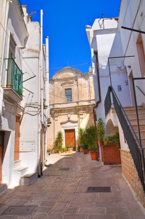 Alleyway in Castellaneta, Puglia, Italy  photo