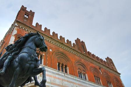 piacenza: Palacio G�tico. Piacenza. Emilia-Roma�a. Italia.