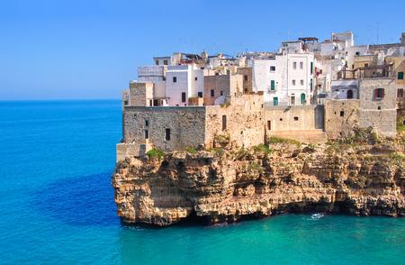 의 Polignano의 파노라마보기입니다. Puglia 지역. 이탈리아. 스톡 콘텐츠