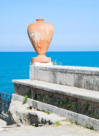 earthenware: Earthenware amphora on the sea.