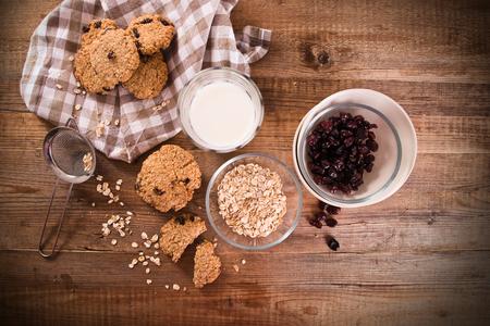 oatmeal: Oatmeal cookies.
