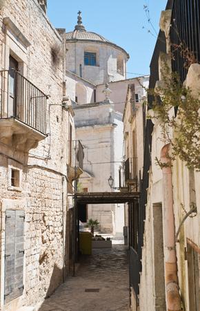 passageway: Alleyway. Ceglie Messapica. Puglia. Italy.