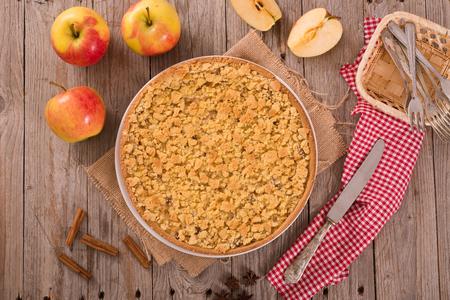 Crumble apple cake.  Фото со стока
