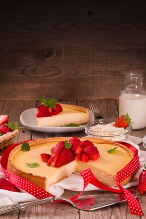Gâteau au fromage aux fraises.