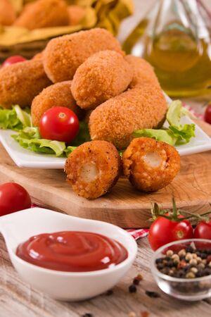 Suppli, italian fried rice balls.