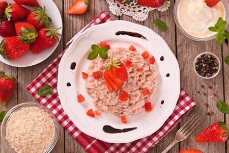 Strawberry risotto. 版權商用圖片