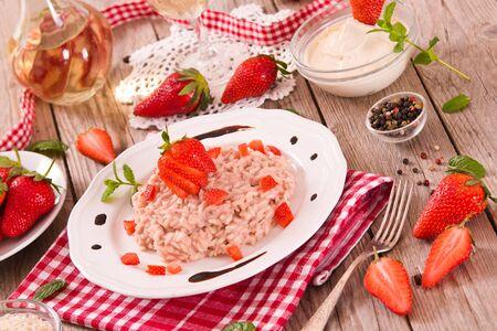 Strawberry risotto. Reklamní fotografie