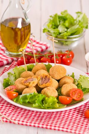 Ascoli stuffed olives. 版權商用圖片