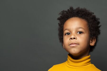 Portrait of african american little child boy 版權商用圖片 - 137804399