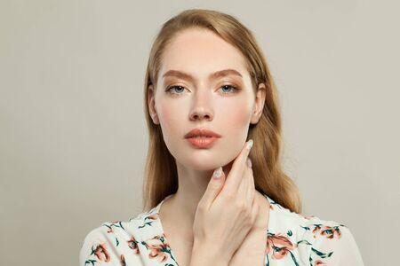 Perfect elegant redhead woman with ginger hair portrait 免版税图像