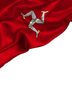 Bunte Flagge des Schmutzes Isle Of Man mit copyspace für Ihren Text oder Bilder, lokalisiert auf weißem Hintergrund. Close up, flattert vor dem Wind.