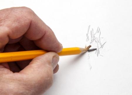 Persona de secado para hacer un boceto, pero el lápiz se rompe Foto de archivo - 17471992