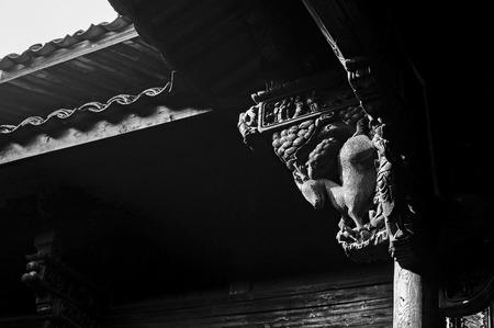 corbel: Ancient wooden buildings