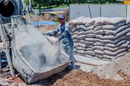 nanotubes: Mix cement