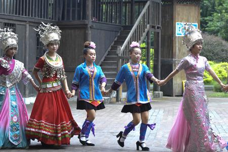 show folk: Guilin, Yangshuo tour Editorial