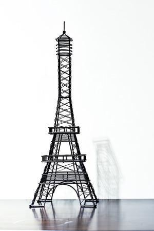 eiffel tower artwork