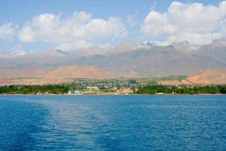 issyk kul: View of the coast of the Issyk-Kul with The sides of the water Stock Photo